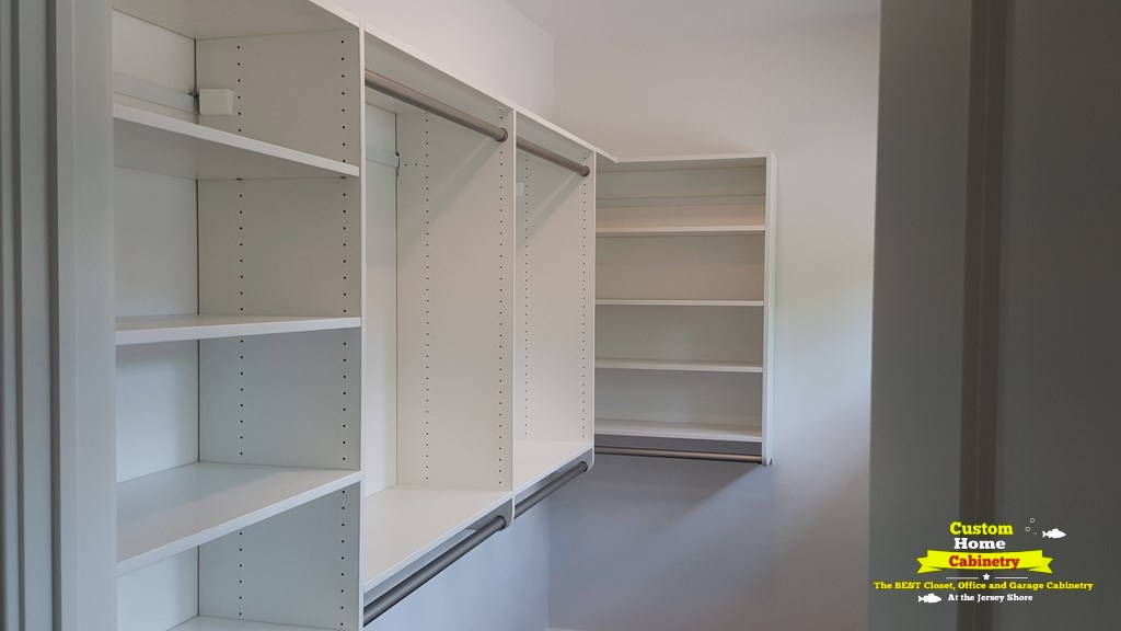 White-Walk-In-Closet-organizer